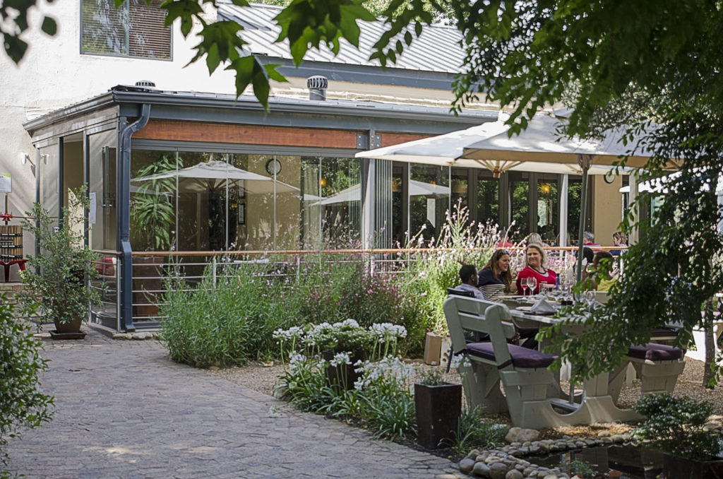 Restaurant - outside