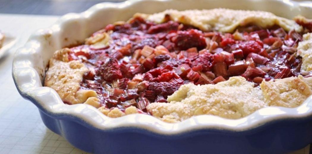 Rhubarb, pear & hazelnut crumbles